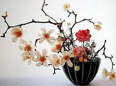 декоративное цветоводство - экибана цветы бежевые